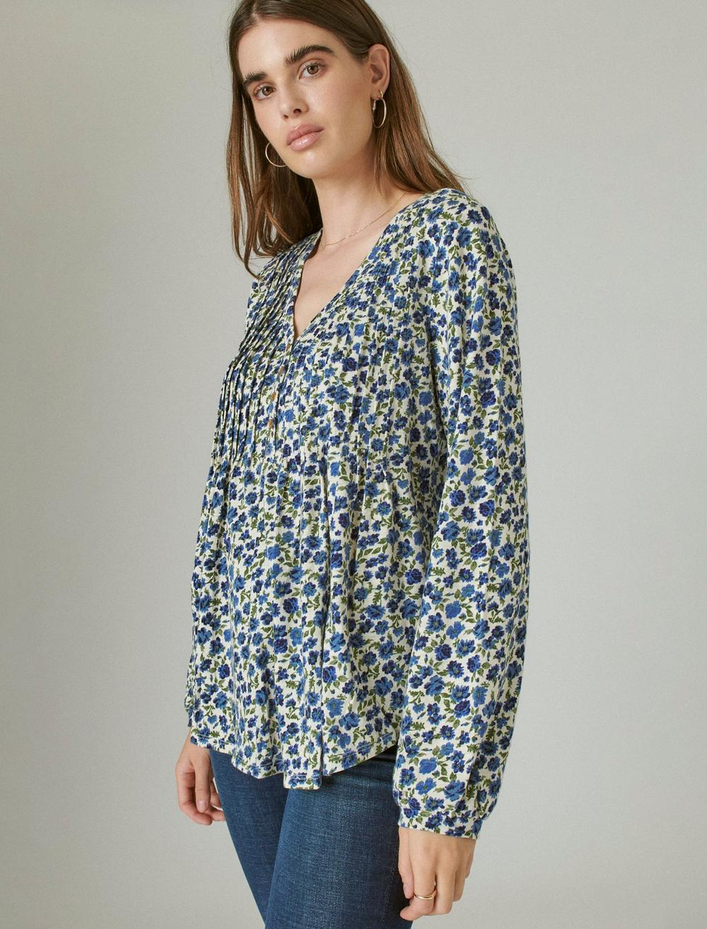 PLEATED V-NECK KNIT TOP, image 3