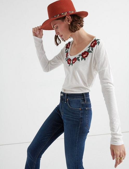 ROSE EMBROIDERED TEE,