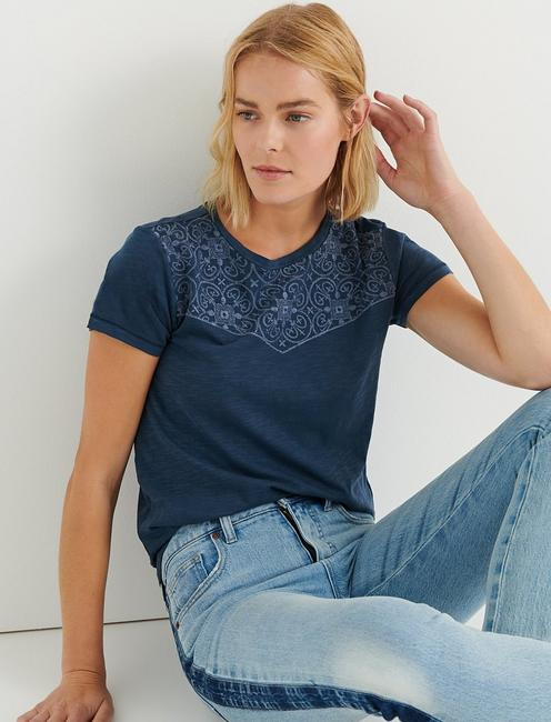 EMBROIDERED BANDANA TEE, INSIGNIA BLUE