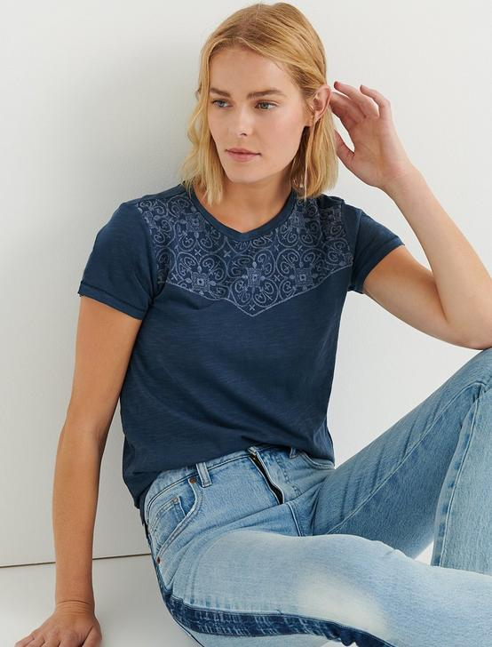 EMBROIDERED BANDANA TEE, INSIGNIA BLUE, productTileDesktop