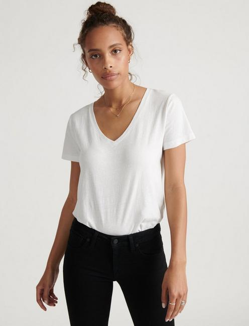 SOLID V-NECK TEE,