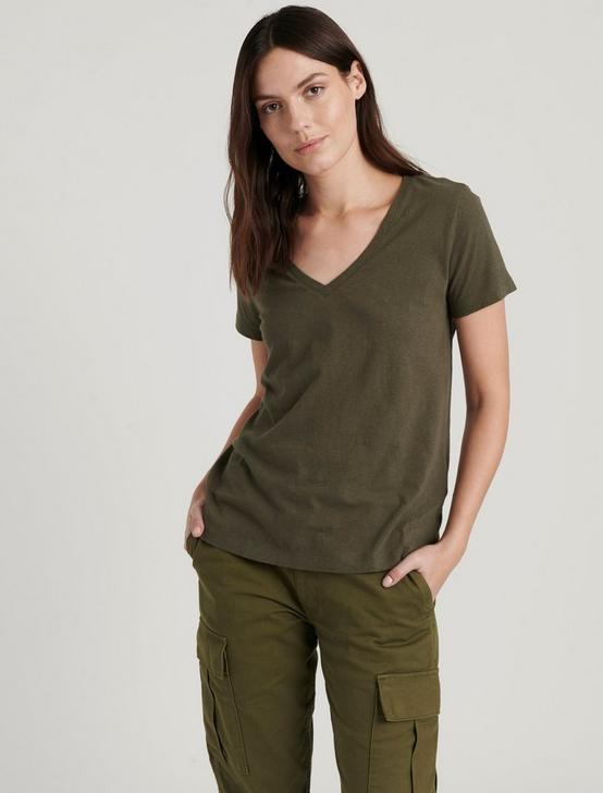 ESSENTIAL V-NECK TEE, FOREST NIGHT, productTileDesktop