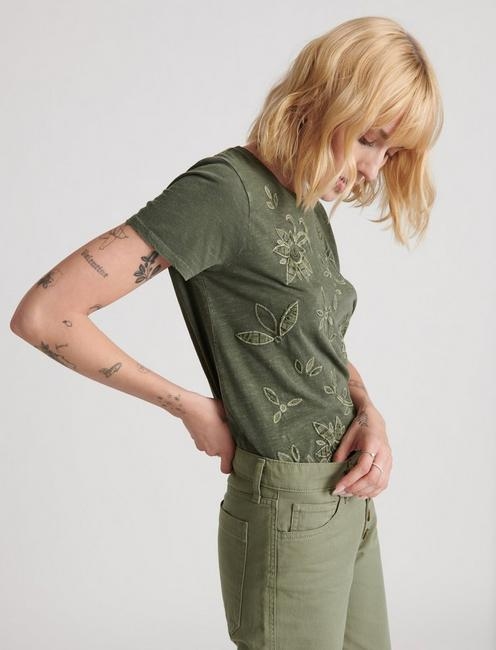 EMBROIDERED APPLIQUE TEE, THYME