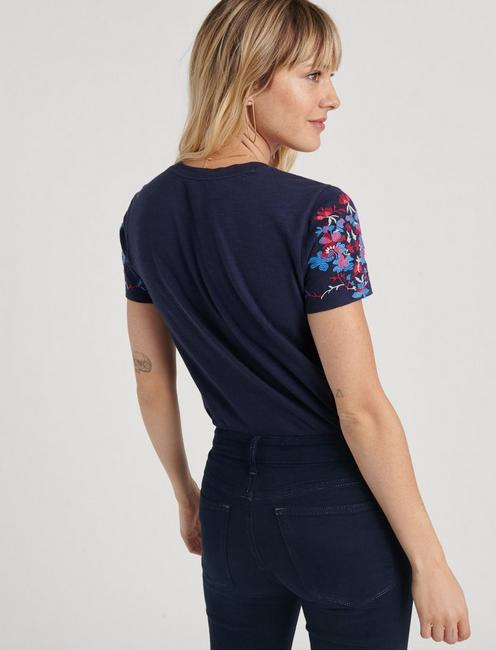 MULTI-COLOR EMBROIDERED TEE, AMERICAN NAVY