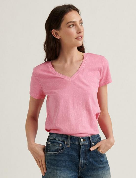 ESSENTIAL V-NECK TEE, BUBBLEGUM, productTileDesktop