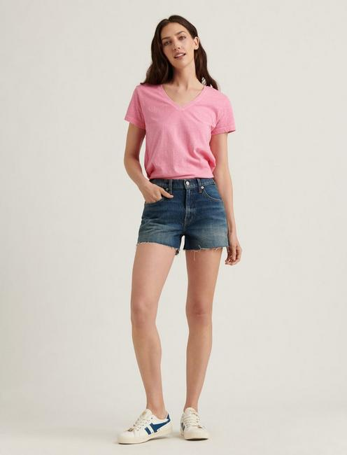 ESSENTIAL V-NECK TEE, BUBBLEGUM