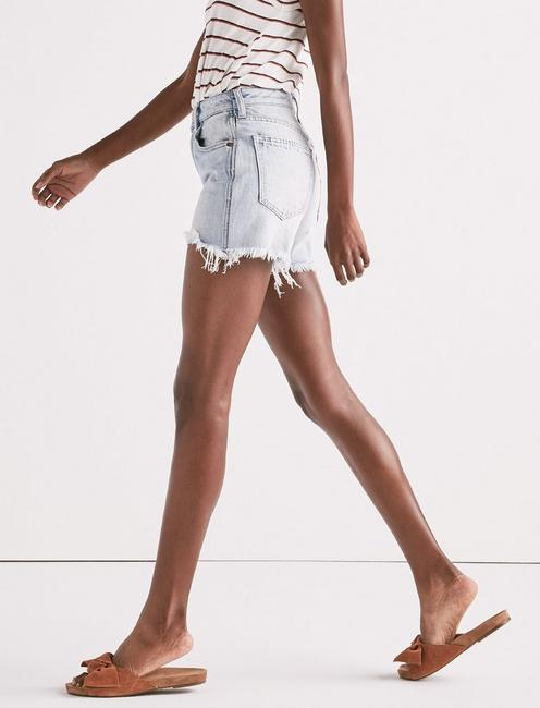 HIGH RISE TOMBOY CUT OFF SHORT,