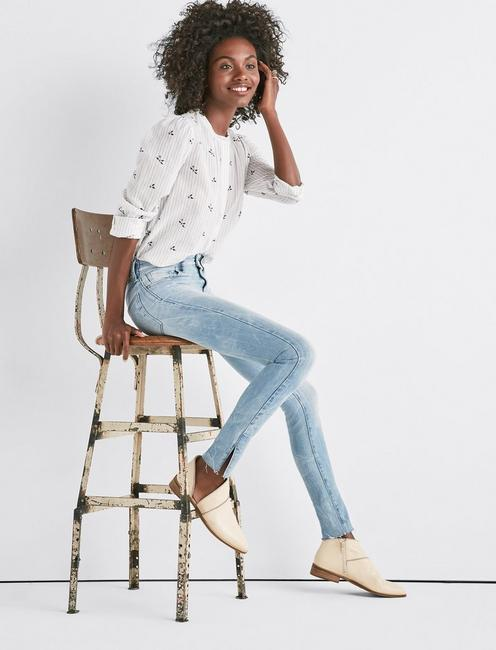 Ava Mid Rise Skinny Jean with Vent,