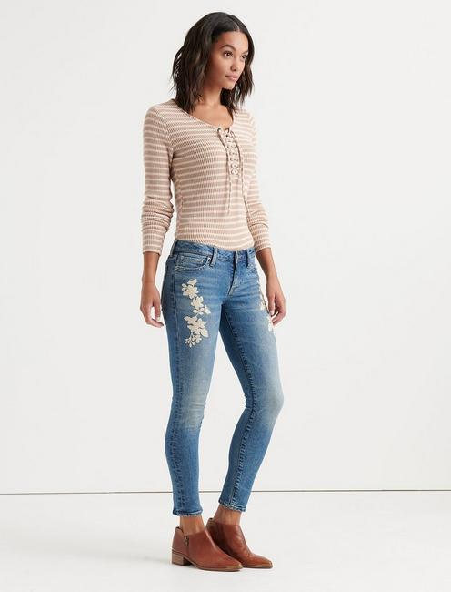 LOLITA SKINNY WITH EMBROIDERY, AVON