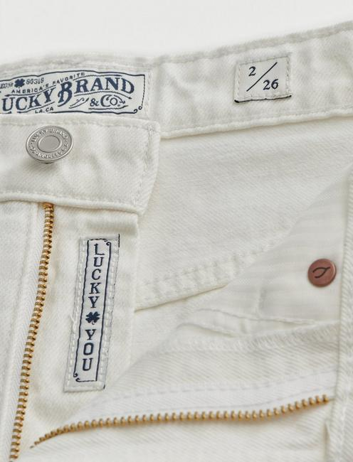 LUCKY PINS JEAN SHORT, CLEAN WHITE TULIP