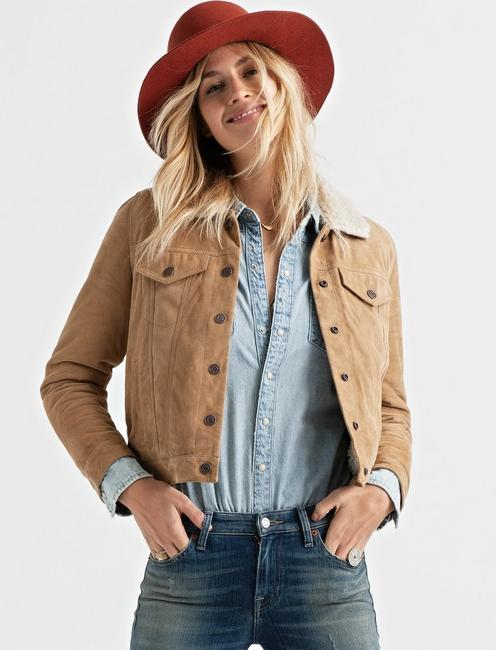 SHEARLING COLLAR TRUCKER, DIJON