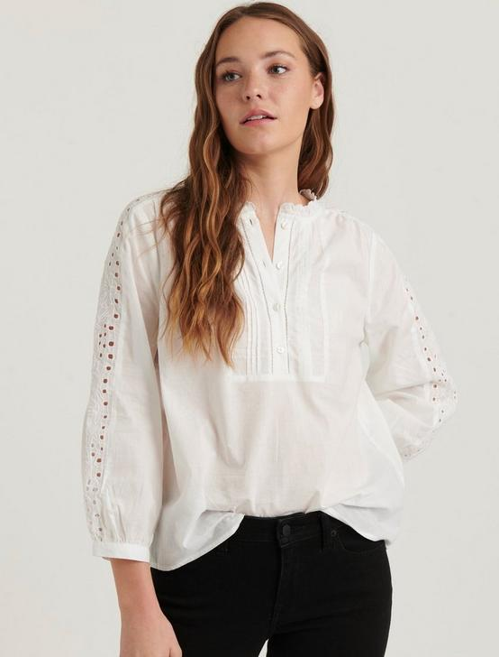 YASMIN EYELET TOP, LUCKY WHITE, productTileDesktop
