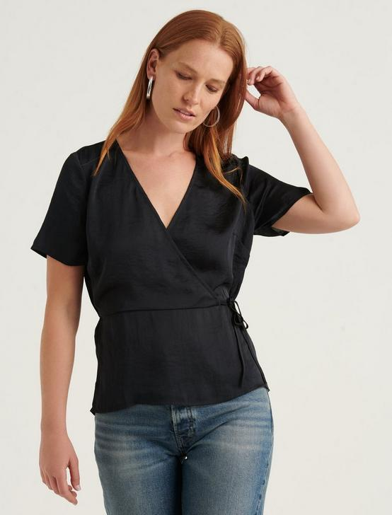 BILLIE WRAP TOP, 001 LUCKY BLACK, productTileDesktop