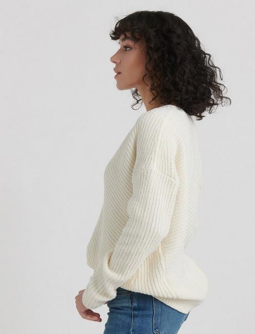 CHENILLE V-NECK PULLOVER, 104 CREAM