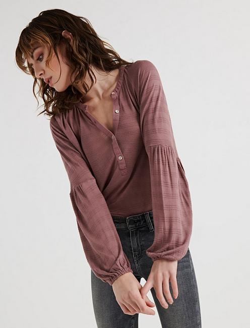 BELL SLEEVE RUFFLE HENLEY, ROSE TAUPE