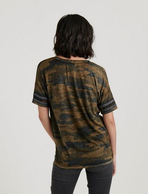 LUCKY CAMO ATHLETIC TEE, GREEN MULTI