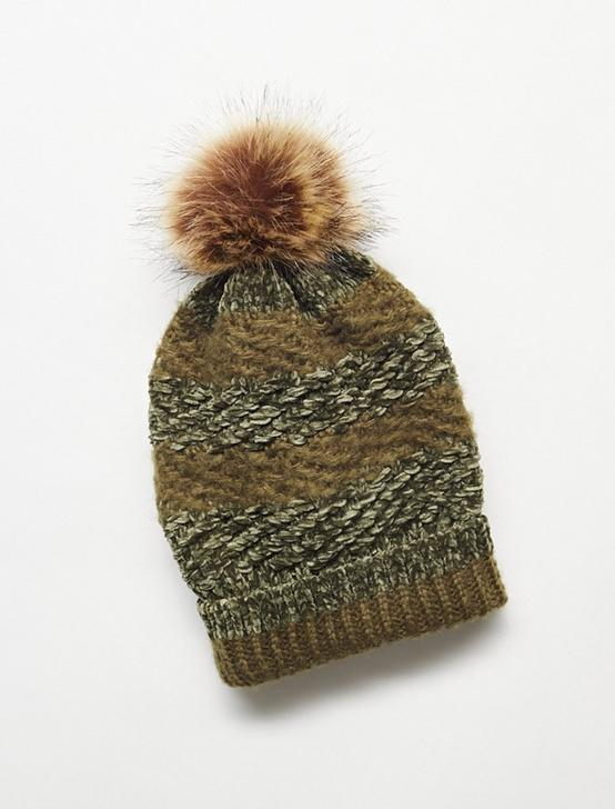 POM POM BEANIE, WINTER MOSS, productTileDesktop