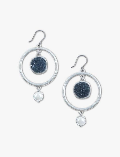 DRUZY AND PEARL DROPS,