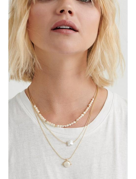 DELICATE PEARL LAYER NECKLACE, GOLD, productTileDesktop