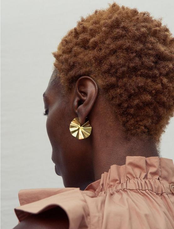 SOKO BIDU CIRCLE HOOP EARRINGS, GOLD, productTileDesktop