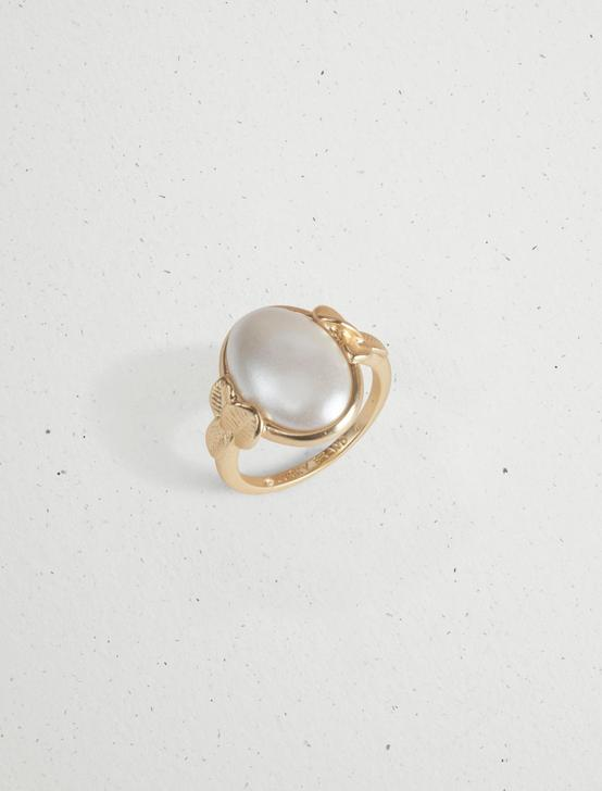 LEAF AND PEARL SIGNET RING, GOLD, productTileDesktop