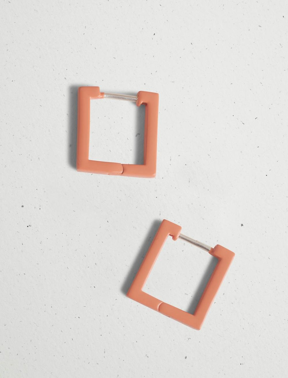 MINI CORAL SQUARE HOOP EARRING, image 1