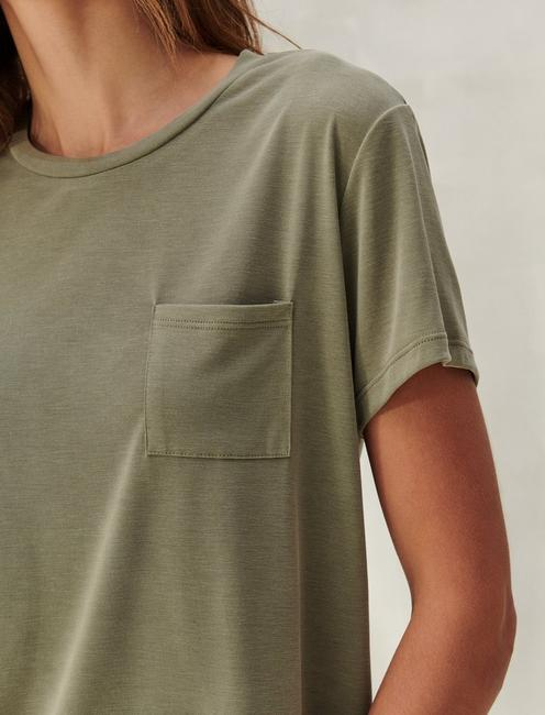 CROPPED BOYFRIEND TEE, MILITARY OLIVE