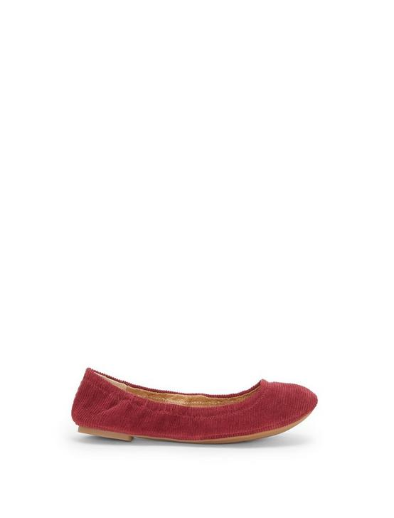 EMMIE FLATS, OVERFLOW RED, productTileDesktop