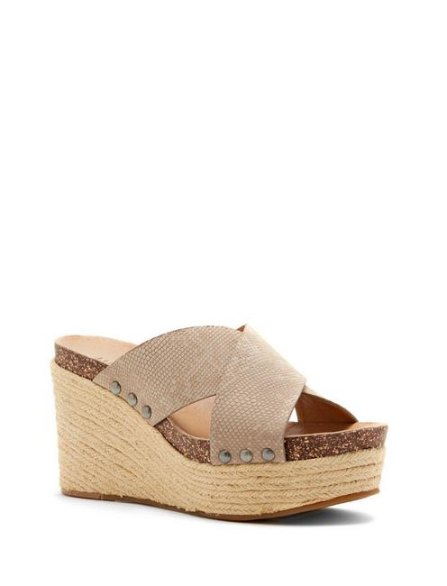 NEEKA WEDGE,