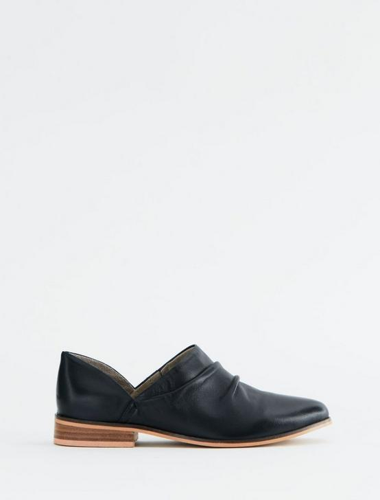 SALT + UMBER BASQUE BOOTIE, BLACK, productTileDesktop