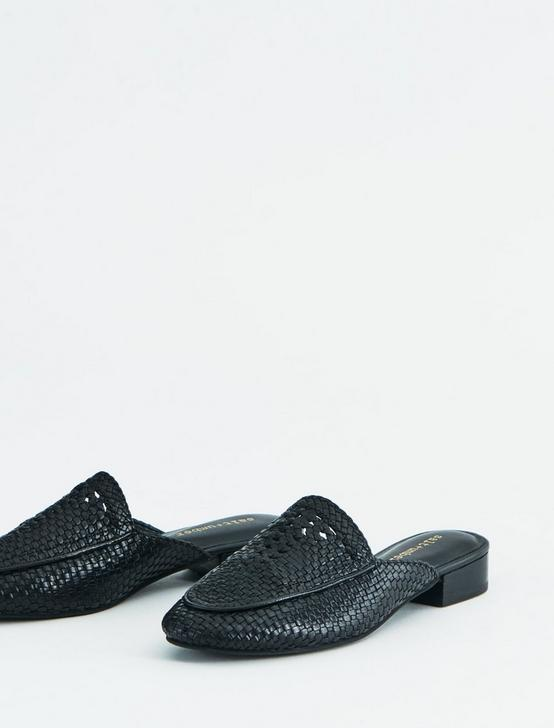 SALT + UMBER POSITANO LEATHER FLAT SLIDES, BLACK, productTileDesktop
