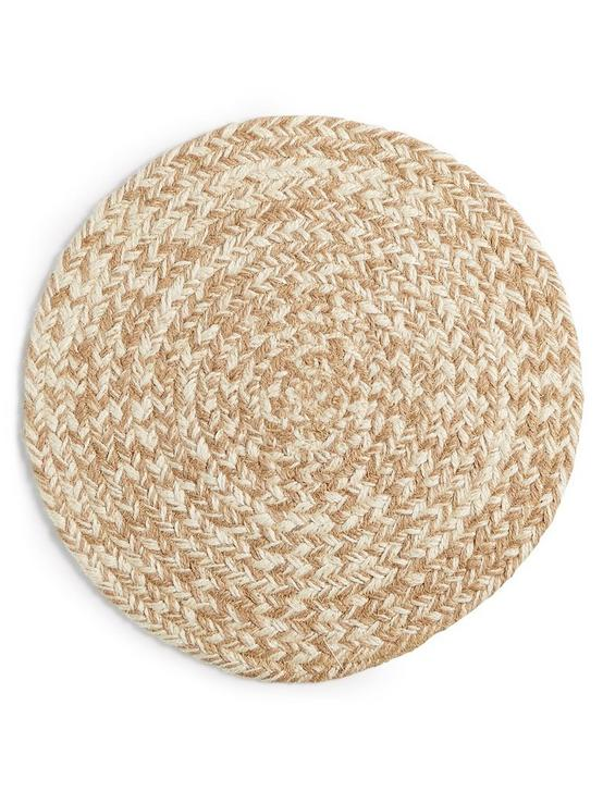NATURAL ROUND CHEVRON PLACEMAT, NO COLOR, productTileDesktop