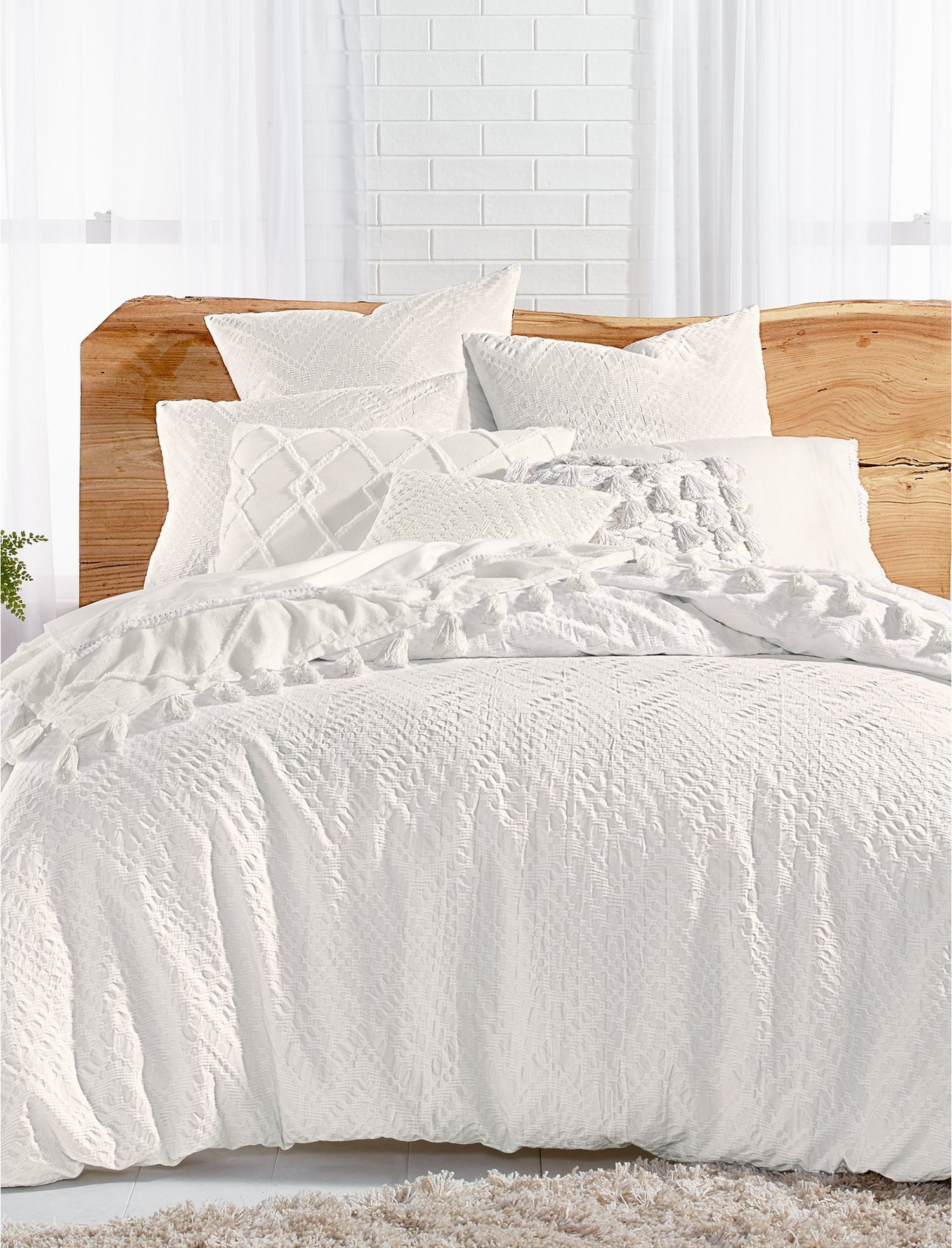 Lucky Brand Taos Matelasse Comforter Set In Natural, Size Queen