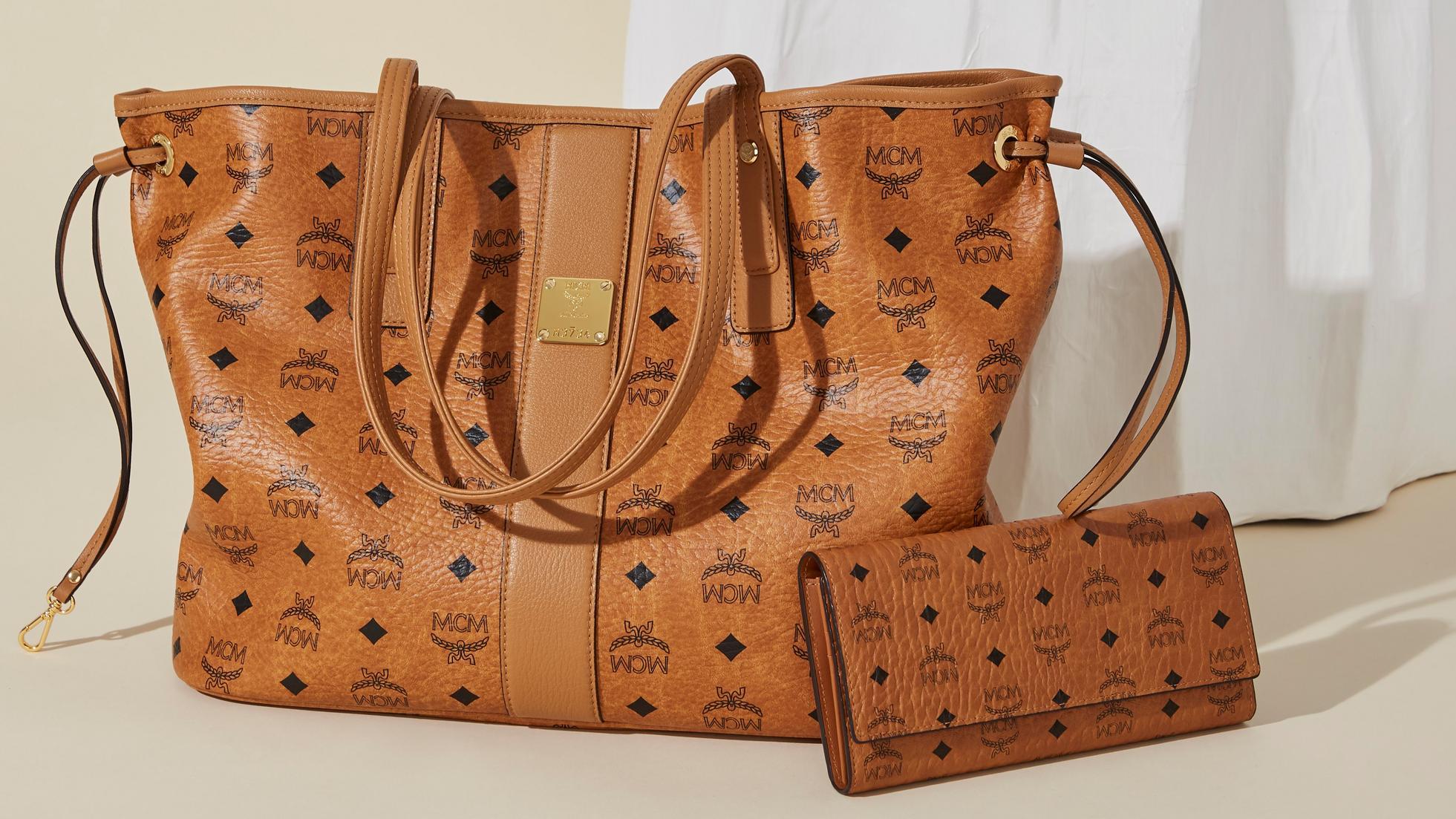 9b866a7a21fe Women s Shoppers   Tote Bags