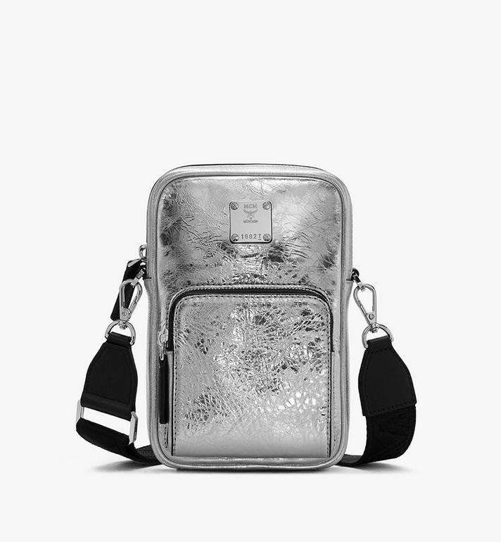 MCM Klassik Tech Crossbody-Tasche aus Metallic-Knautschleder Alternate View