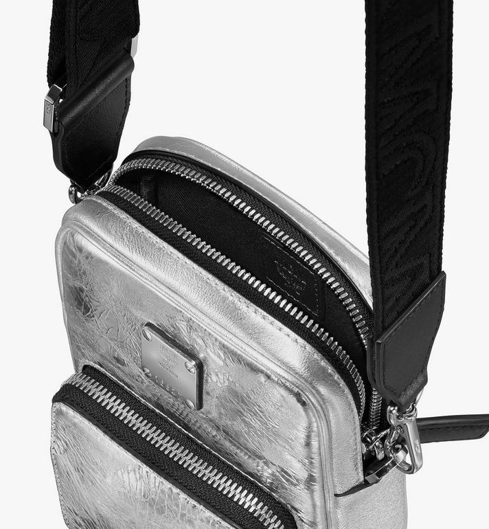 MCM Klassik Tech Crossbody-Tasche aus Metallic-Knautschleder Silver MMRASKC17SA001 Alternate View 4