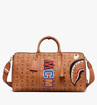 กระเป๋าวีคเอนเดอร์ Shark ลาย Visetos คอลเลคชั่น MCM x BAPE