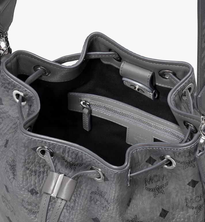 MCM Essential Tasche in Visetos mit Kordelzug Alternate View 4