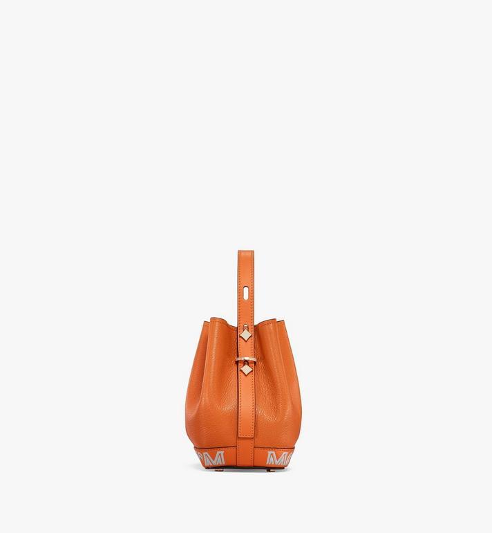 MCM กระเป๋าสะพายหูรูด Milano ทำจากหนังแพะสีคัลเลอร์บล็อก Orange MWDAADA03O4001 Alternate View 2