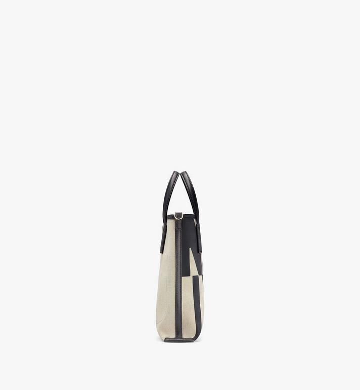 MCM กระเป๋าช็อปผ้าใบลายโลโก้แต่งเอฟเฟคกลิทช์ Black MWPAAMH02BK001 Alternate View 2