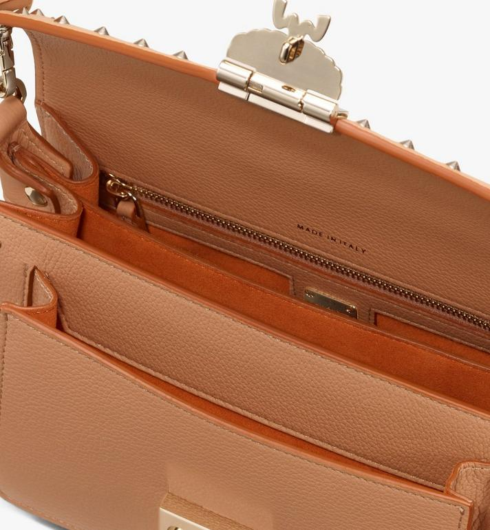 MCM Patricia Crossbody aus genietetem Leder in Park Avenue Alternate View 4