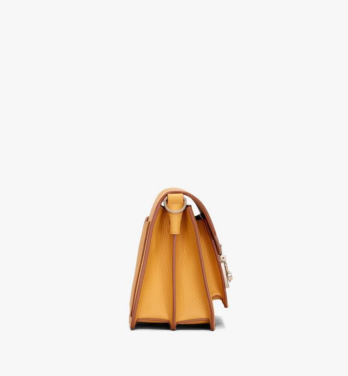 MCM Patricia Crossbody-Tasche aus Leder in Park Avenue  MWR9APA16YJ001 Alternate View 2