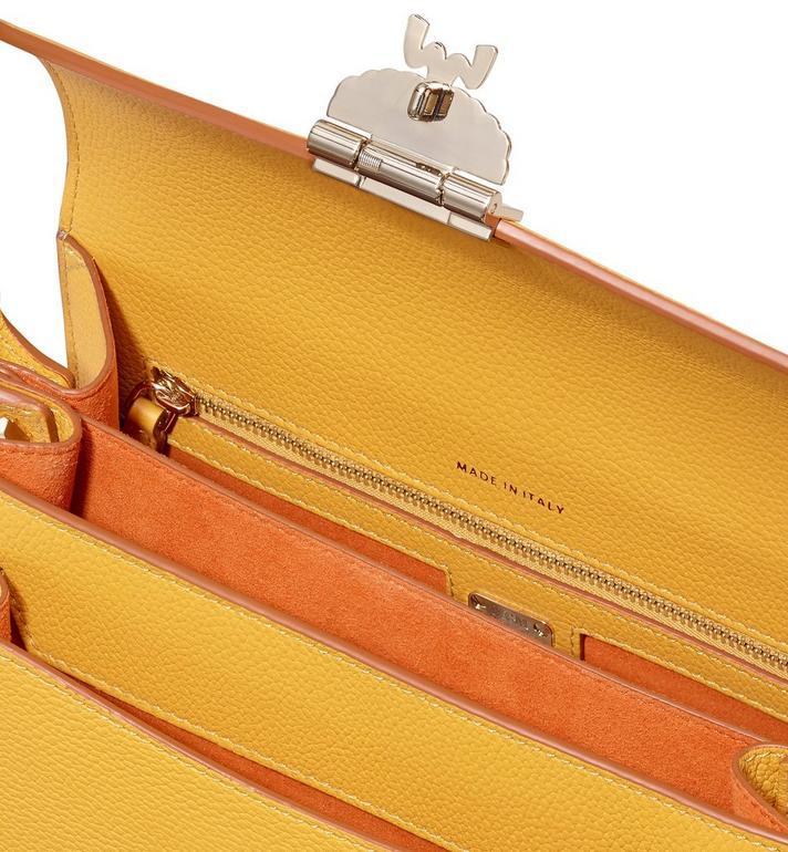 MCM Patricia Crossbody-Tasche aus Leder in Park Avenue  MWR9APA16YJ001 Alternate View 4