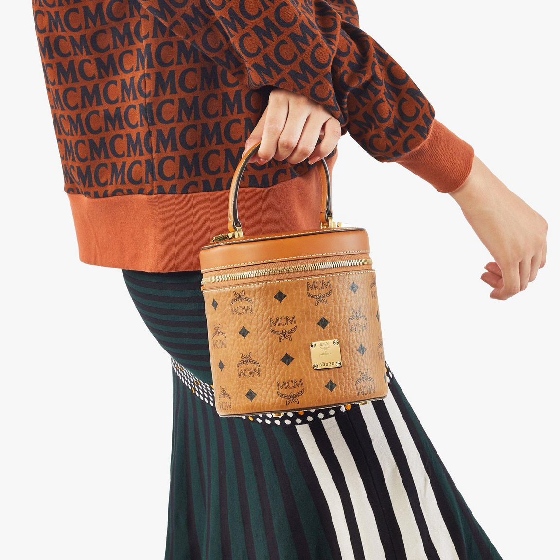 Cylinder Crossbody in Visetos