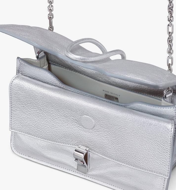 MCM Sac porté épaule Candy en cuir de chèvre métallisé Silver MWSASCY06SE001 Alternate View 4