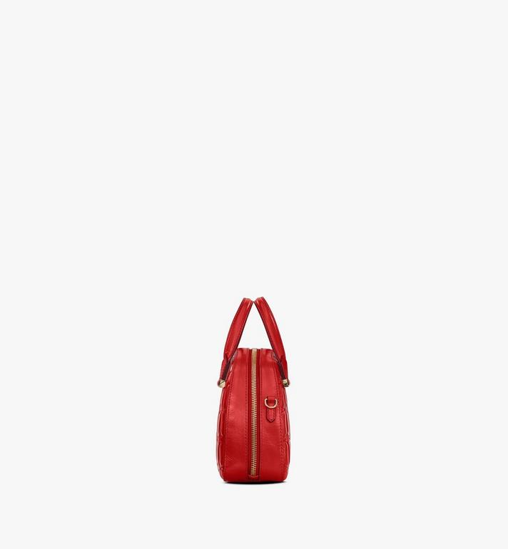 MCM Essential Tragetasche aus Leder mit Rautenmuster in Form eines Halbmonds Red MWTASSE14R4001 Alternate View 2