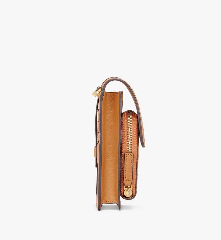 MCM Coque d'iPhone à bandoulière en Visetos Cognac MXEASVI03CO001 Alternate View 2