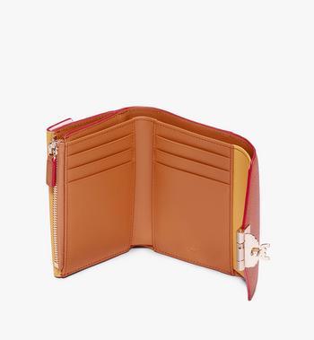 MCM Dreifach gefaltete Patricia Brieftasche aus Colorblock-Leder Alternate View 3
