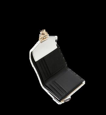 MCM Patricia dreifach gefaltete Brieftasche aus Visetos Leather Block Alternate View 4
