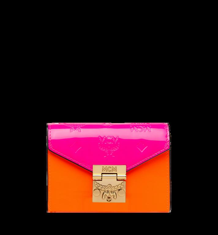 MCM Dreifach gefaltete Patricia Brieftasche aus Lackleder mit Monogramm Alternate View